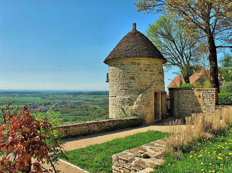 Colombier de l'abbaye de Château-Chalon